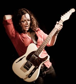 Meena Cryle & Chris Fillmore Band [A]